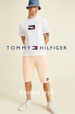 Tarjouksia yritykseltä Vaatteet ja Kengät kaupungissa Tommy Hilfiger lehtisiä ( Vanhenee pian)