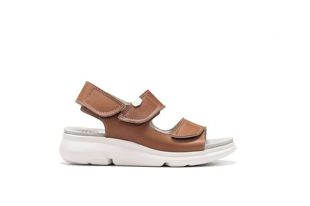 On Foot sandaalit Hielo Cuero -tarjous hintaan 49,95€